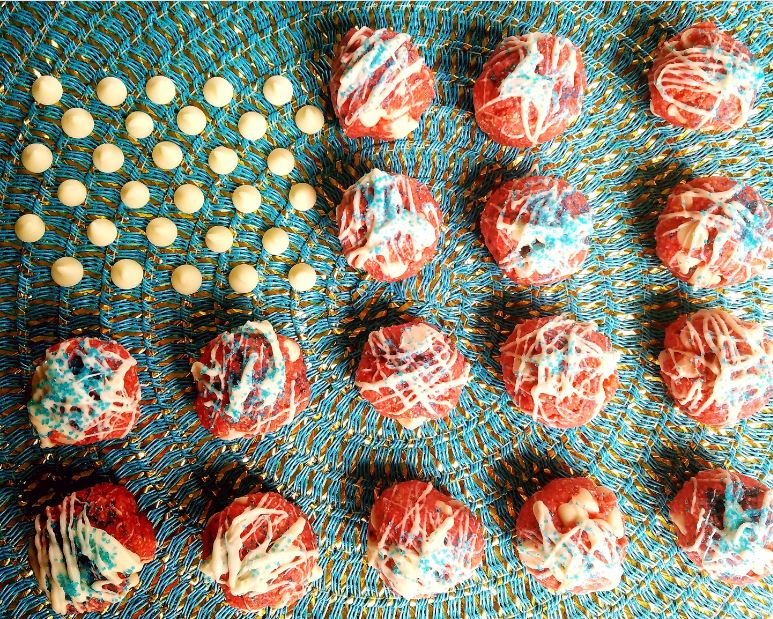 Red, White and Blue No-Bake Cookie Dough Bites - The perfect healthy dessert to take to your 4th of July picnic!