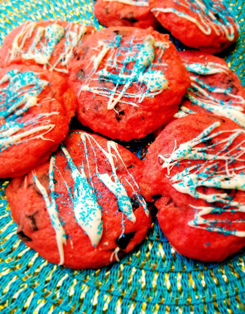 Chocolate Covered Strawberry Cookies - A 4th of July inspired cookie that tastes just like those special chocolate dipped strawberries