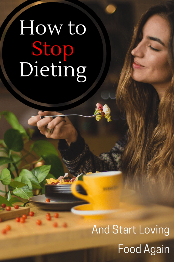 learn how to stop dieting and start loving food again with mindful eating. Follow these four steps to start eating mindfully. #howto #mindfuleating #mindfulness #eatingmindfully #nodiet