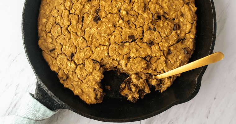 Healthy Oatmeal Chocolate Chip Skillet Cookie